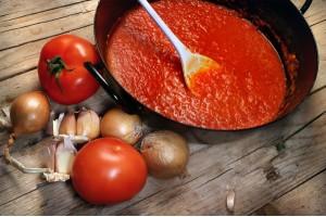 Универсален доматен сос